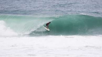 Miguel Pupo placing second in his round 2 heat.